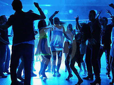 5 Reasons to Go to the Semi-Formal Dance