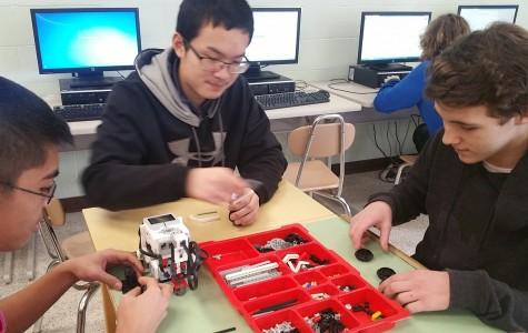 A Look Inside Weedsport's New Robotics Courses