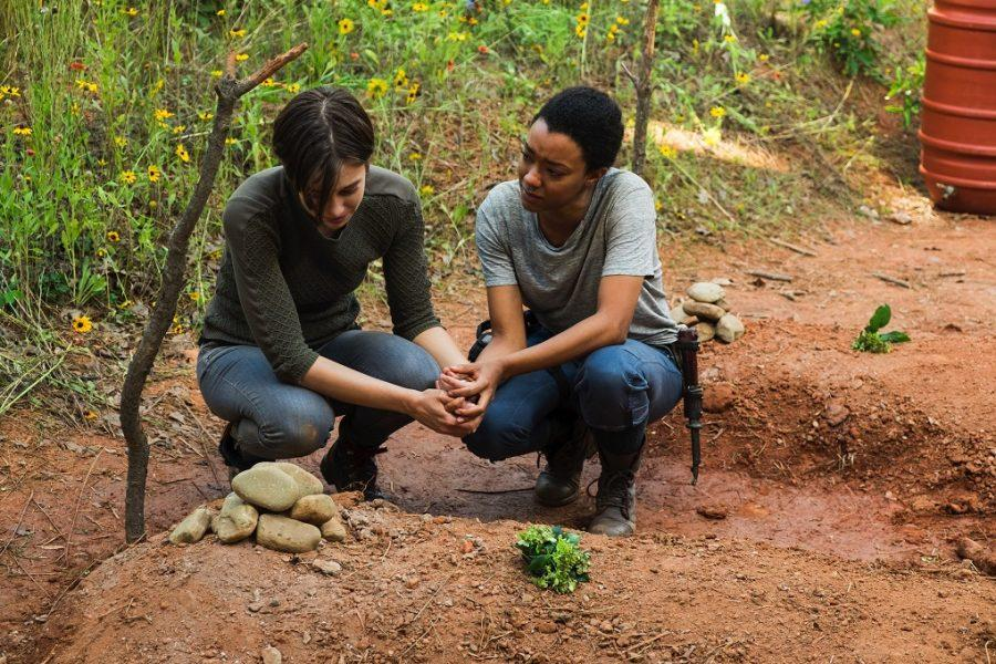 Lauren+Cohan+as+Maggie+Greene%2C+Sonequa+Martin-Green+as+Sasha+Williams%C2%A0-+The+Walking+Dead+_+Season+7%2C+Episode+5+-+Photo+Credit%3A+Gene+Page%2FAMC